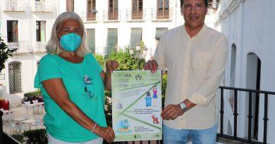 Torrox lanza una campaña de concienciación para mantener limpias las playas y el municipio